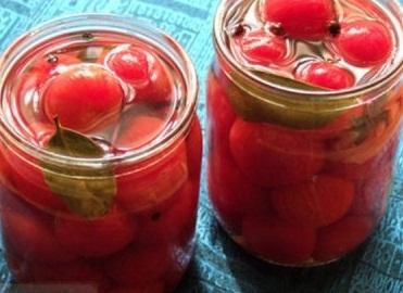 kak-marinovat-pomidory-s-uksusom