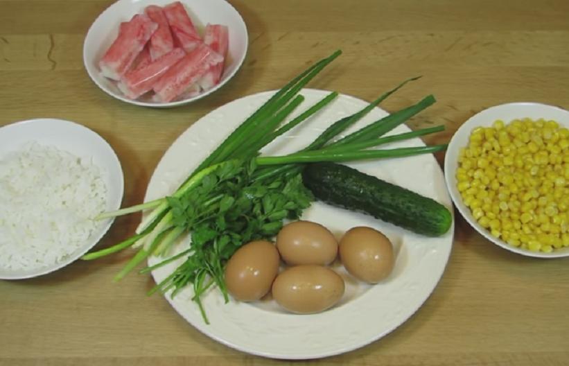 salat-s-krabovymi-palochkami-i-kukuruzoj