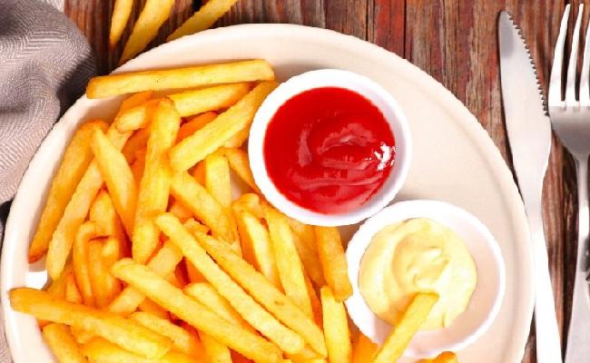 Картофель фри с пикантным соусом - рецепт пошаговый с фото