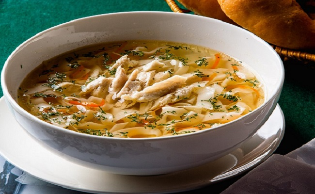 Суп куриный с домашней лапшой готовим дома