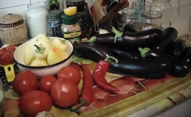 baklagany-pomidory-perec