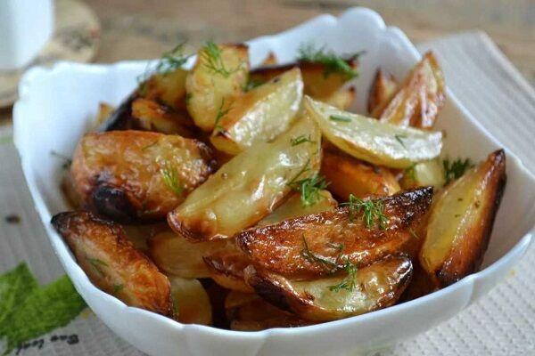 Картошка по-деревенски в духовке — 5 пошаговых рецептов